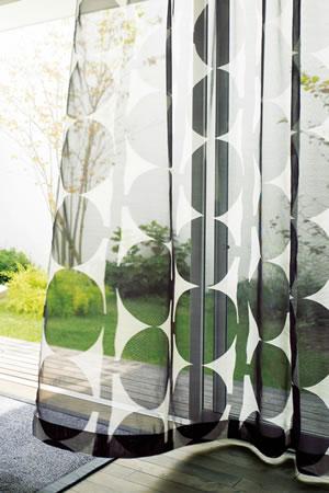 アスワンの北欧風レースカーテン クレメンツ ブラックの使用画像