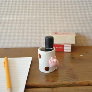 デコレ(DECOLE)concombre のぞき見つまようじ入れ【猫/キッチン雑貨】の印鑑スタンド使用画像