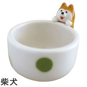 デコレ(DECOLE)ひょっこりお猪口【柴犬とハチワレ猫/キッチン雑貨】から柴犬の全体画像