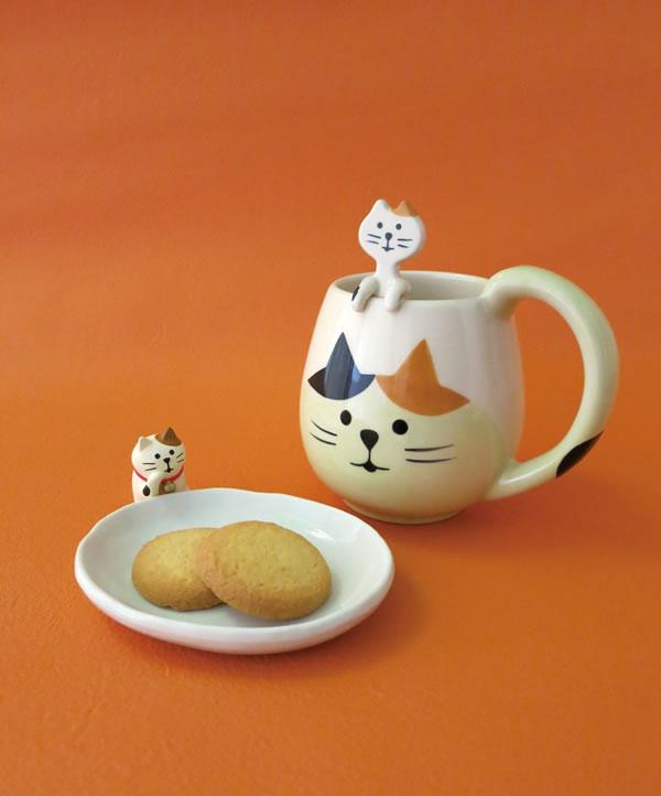 デコレ(DECOLE)まんまるマグ&スプーンセット 三毛猫【おしゃれ/キッチン雑貨】のディスプレイ画像