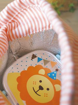デコレ(DECOLE)プチシャンブル リトルサーカス 保冷ランチ巾着使用画像