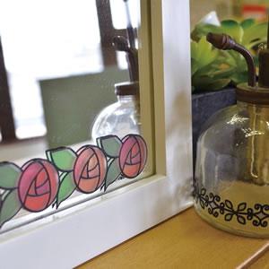 デコレ(DECOLE)ステンドグラス ステッカー ローズの使用画像。