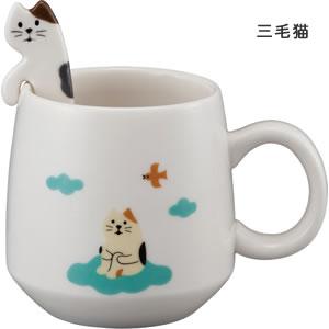 デコレ(DECOLE)concombre まったり猫スプーン付きマグの三毛猫詳細画像