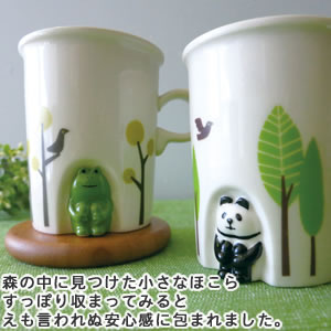 デコレ(DECOLE)concombre ほっこりほこらマグ【食器/マグカップ】フロッグとパンダのディスプレイ画像