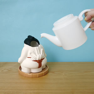 デコレ(DECOLE)潤いマスコット どすこい【加湿器/インテリア雑貨】赤ノ富士の水入れ画像
