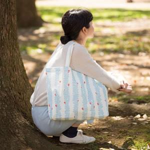 ヌノカ(nunoca)トートバッグ アイビー【おしゃれ】ライトブルーの使用画像