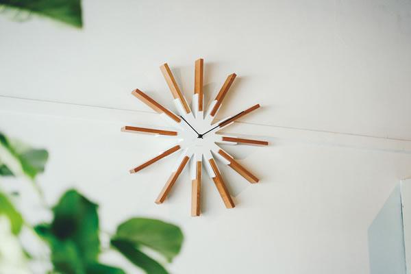 掛け時計 シリオ(Sirio)【北欧/木製/インテリア】のリビング使用画像