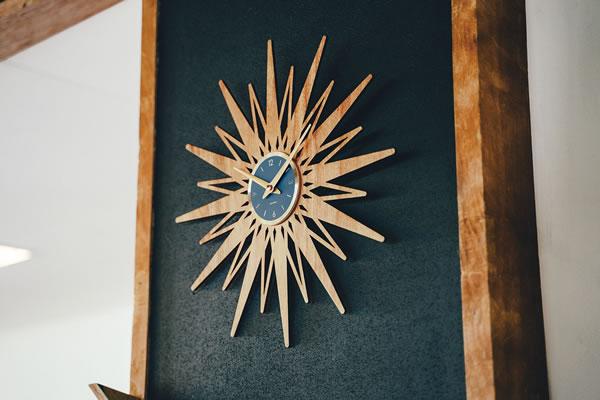 掛け時計 セプテントリオ(Septemtrio)【北欧/木製/インテリア】のリビング使用画像