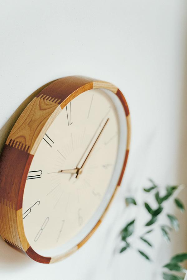 電波掛け時計 ブードリー(Boudry)【北欧/木製/インテリア】ミックスの使用画像