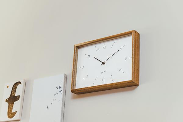 電波掛け時計 スレブロ(Srebro)【北欧/木製/インテリア】ホワイトの使用画像