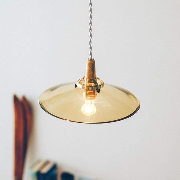 ペンダントライト トロンプ(Tromp)【おしゃれ/インテリア照明】のリビング使用画像