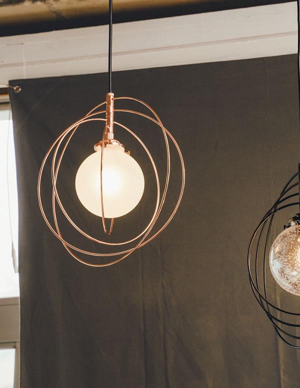 ペンダントライト シルケボー(Silkeborg)【おしゃれ/インテリア照明】のリビング使用画像