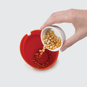 ジョセフジョセフ(josephjoseph)M-クイジーン 電子レンジシングルポップコーンメーカー(2個セット)【調理容器】の食品使用画像