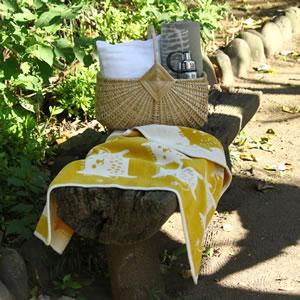 クリッパン(KLIPPAN)ミニブランケット ボブキャット W70×L90cm【ベビー/北欧雑貨】イエローの使用画像