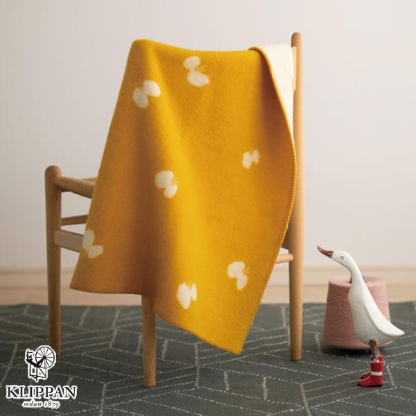 クリッパン(KLIPPAN)ウールブランケット CHOUCHO ミニ W65×L90cm【北欧雑貨】ゴールドの使用画像