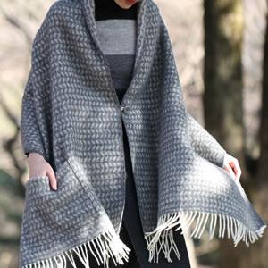 クリッパン(KLIPPAN)プレミアムストール リーフ 1ポケット【おしゃれ/北欧ファッション】グレーの使用画像2