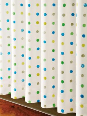 遮光カーテン ハッピードット(HAPPYDOT)2枚セット【北欧風カーテン】ブルーの使用画像