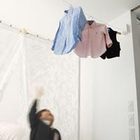 室内物干し 4m【おしゃれ/洗濯用品/デザイナーズ雑貨】の使用画像(子供服)