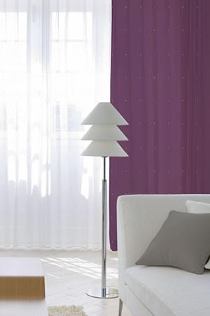 スミノエの北欧風遮光カーテン ハートドット パープルの使用画像