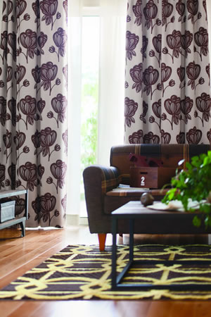 スミノエの遮光カーテン レトロフラワー 1枚入【北欧カーテン/インテリア】ブラウンの使用画像
