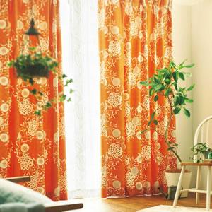 スミノエの遮光カーテン ハナカザリ 1枚入【北欧/おしゃれ】オレンジの使用画像
