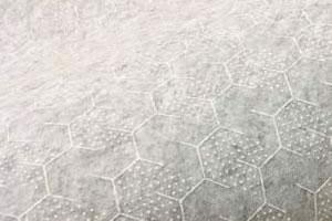 スミノエのラグマット 夏用・冬用(通年)グリーンガーランド【おしゃれ】の裏面詳細画像(ハニカムフィット画像)