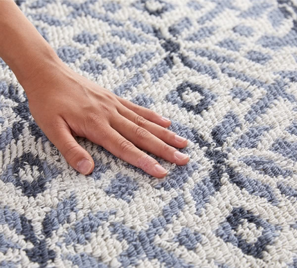 ラグマット ノルディック・ルミ(NORDIC lumi)【通年/おしゃれ/インテリア】ブルー 190×190cmの手触り画像