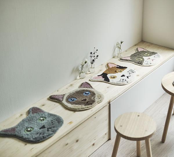 ラグマット ネコカオ(NEKOKAO)【猫/チェアパッド/おしゃれ】のディスプレイ画像
