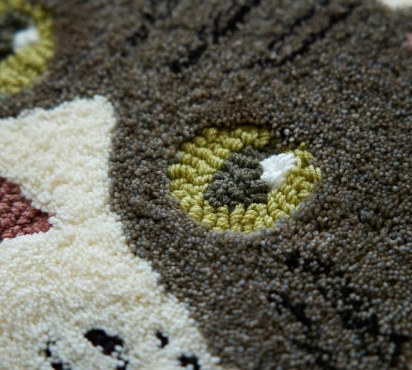 ラグマット ネコカオ(NEKOKAO)【猫/チェアパッド/おしゃれ】キジシロの使用画像