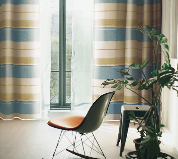 スミノエの既製カーテン コルネ トロワ(Trois)1枚入【おしゃれ/洗濯】ブルーの使用画像