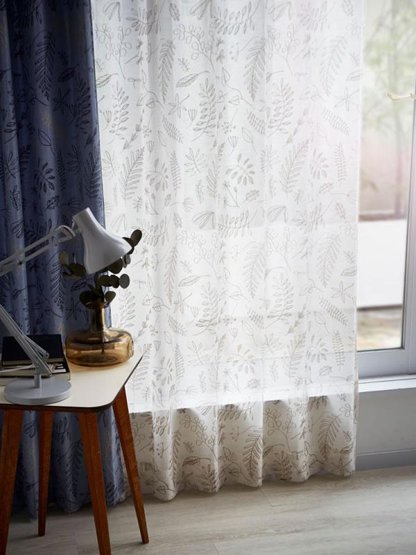 サーナ・ヤ・オッリ レースカーテン ブロッサム ボイル 1枚入【北欧デザイン】アイボリーの使用画像