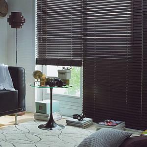 タチカワ 木製ブラインド チョコレートブラウン色の使用画像