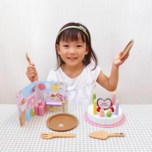 ウッディプッディ はじめてのおままごと ケーキセット【おもちゃ/キッズ/ギフト】の使用画像