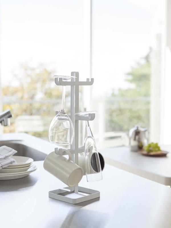ワイングラス&マグカップツリー タワー(tower)【キッチン収納/おしゃれ】ホワイトの使用画像