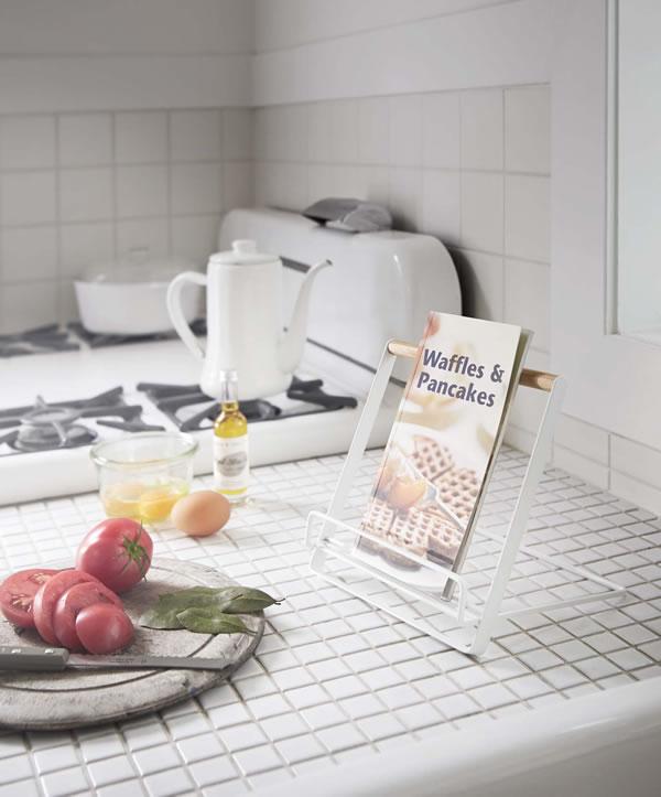 レシピスタンド トスカ【キッチン収納/おしゃれ】ホワイトの使用画像