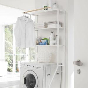 ランドリーシェルフ タワー【洗濯収納/おしゃれ】ホワイトの使用画像