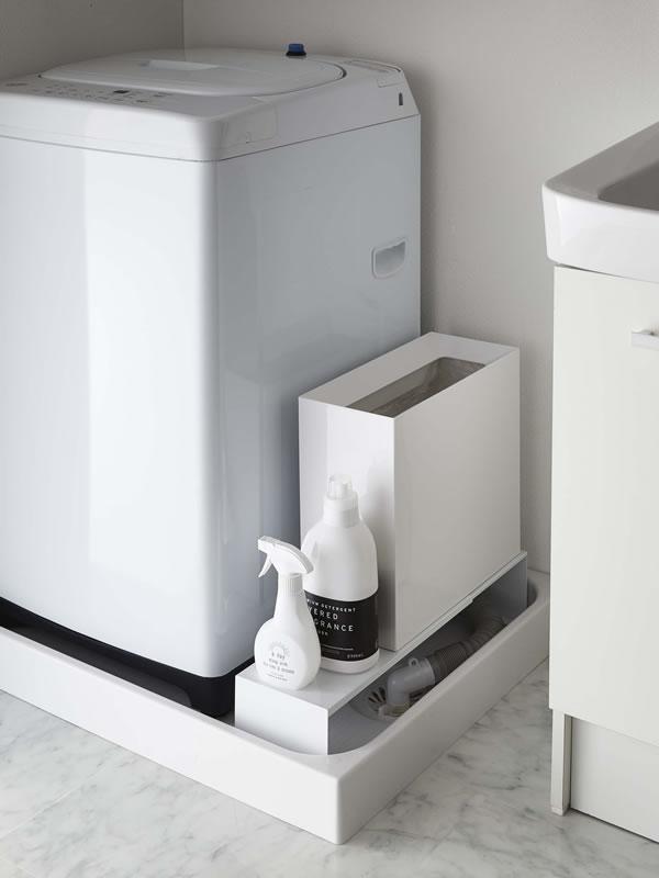 伸縮洗濯機隙間ラック タワー【ランドリー収納/おしゃれ】ホワイトの使用画像