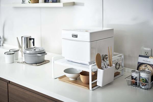 炊飯器ラック タワー【キッチン収納/おしゃれ】ホワイトの使用画像