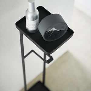 補助便座スタンド タワー【トイレ収納/おしゃれ】ブラックの使用画像
