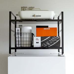 冷蔵庫上収納ラック タワー【キッチン収納/おしゃれ】ブラックの使用画像
