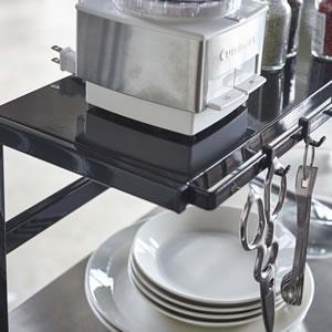 伸縮キッチンサポートラック タワー【キッチン収納/おしゃれ】ブラックの使用画像