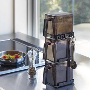 調味料ラック 3段 スリム タワー(ストッカー2個付)【キッチン収納/おしゃれ】ブラックの使用画像