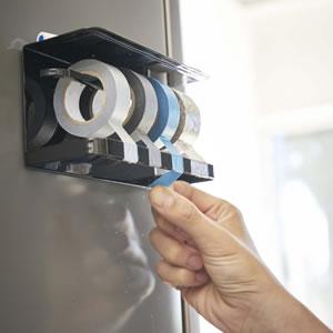 マグネットマスキングテープホルダー タワー【キッチン収納/おしゃれ】ブラックの詳細使用画像