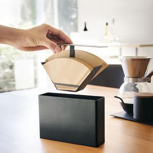コーヒーペーパーフィルターケース タワー【キッチン収納/おしゃれ】ブラックの詳細使用画像