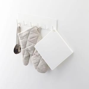シリコン鍋敷き タワー【キッチン雑貨/おしゃれ】角型 ホワイトの収納画像