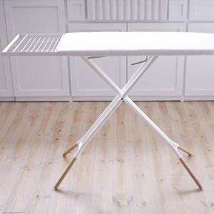 スタンド式アイロン台 トスカ ホワイト【洗濯用品/おしゃれ】の展示画像