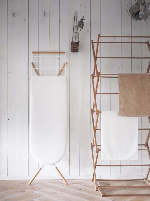スタンド式アイロン台 トスカ ホワイト【洗濯用品/おしゃれ】の折り畳み画像