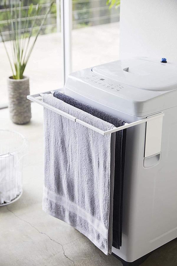 マグネット伸縮洗濯機バスタオルハンガー タワー【ランドリー収納/おしゃれ】ホワイトの展示画像