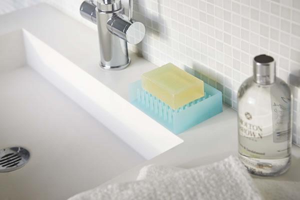 水切りソープトレイ フロート【洗面所/バスルーム】ブルーの使用画像