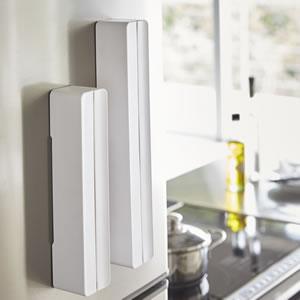マグネットラップケース タワー【キッチン雑貨/おしゃれ】ホワイトのマグネット収納画像